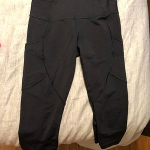 Lulu lemon crop workout pants